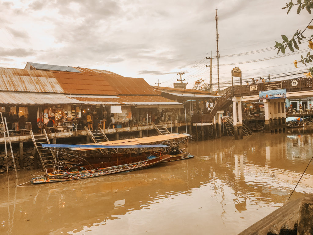 Taling ChanFloating Market